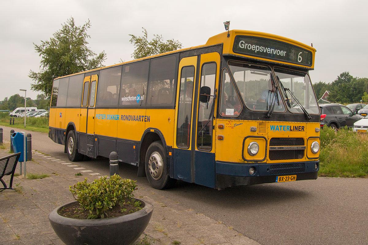 Bus van Pieter Dekker